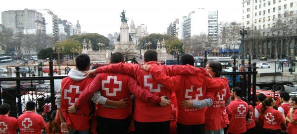 Mundo en movimiento: Cruz Roja Argentina brinda apoyo a personas migrantes