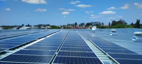 Migrar hacia energías renovables