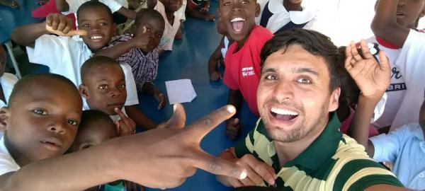 Adoptaron una nena en Haití y armaron una fundación para ayudar a más chicos de ese país