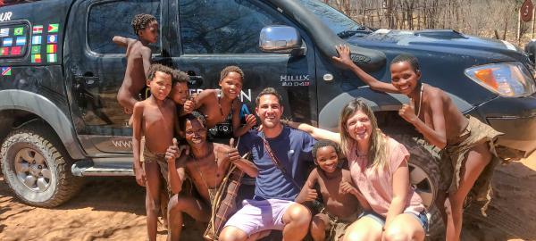"""""""Expedición Sonrisa"""": llevan castillos inflables a orfanatos de todo el mundo"""