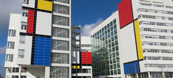 Holanda celebra a Mondrian convirtiendo edificios de La Haya en arte urbano
