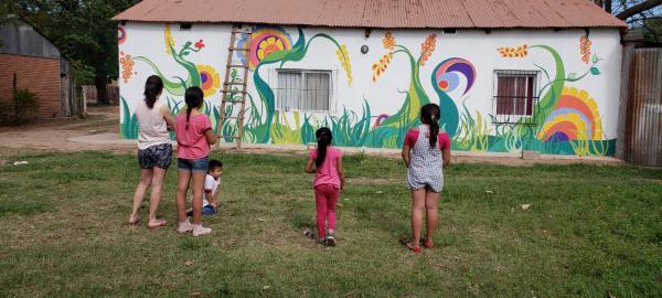 Un emprendimiento que mezcla el arte y la solidaridad hacia los que menos tienen