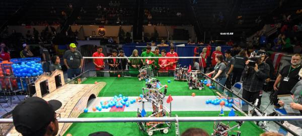 La robótica une al país en un concurso para representar al país
