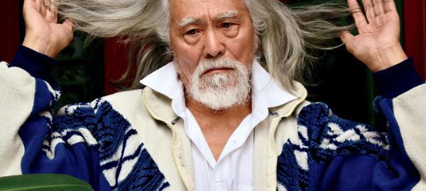 Un top model chino revoluciona las pasarelas a los ochenta años.